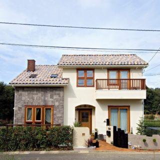 自然を感じ、変化に富んだ光を取り込む北欧のお家